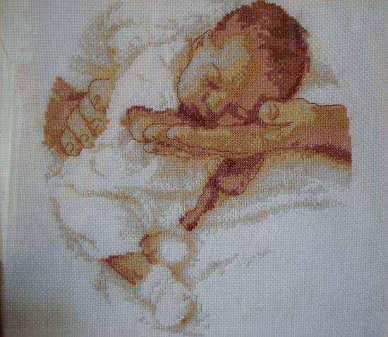 Вышивка крестом. младенец