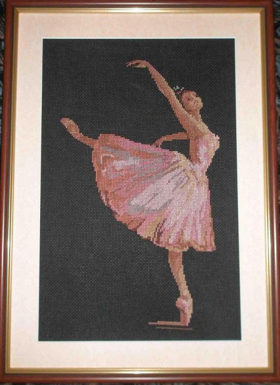 Вышитая работа Балерина.